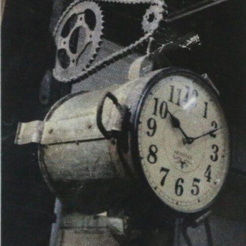 Iron Sigdi Clock With Stand HET-013
